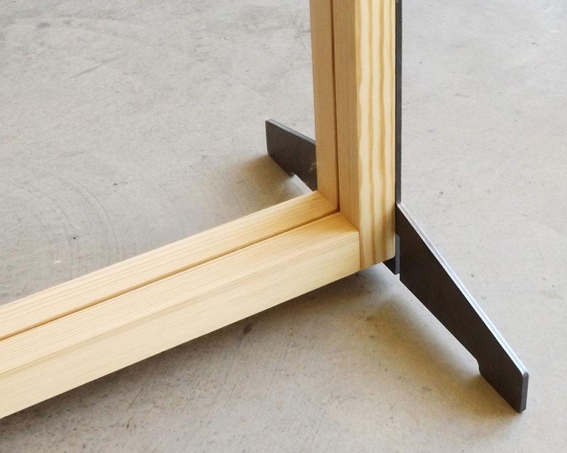 Mampara detalle pies bases metalicas Monolito