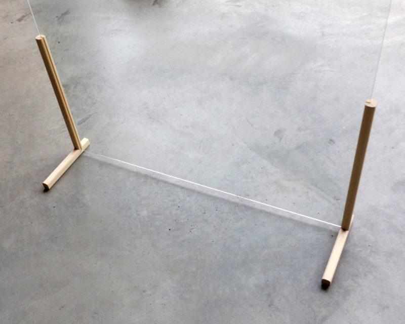 Mampara de aparador o mesa en forma de T trasera